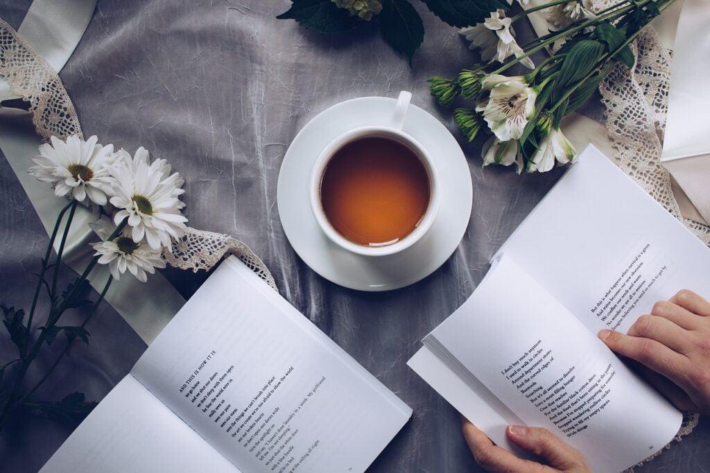 kitap ve çay fotoğrafları